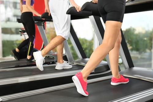 3. Lari Atau Berjalan